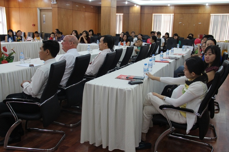 "The seminar ""One hour a day"" took place in a comfortable atmosphere"